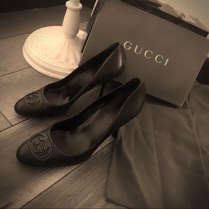 Authentic Gucci Signature black leather heels sz 9